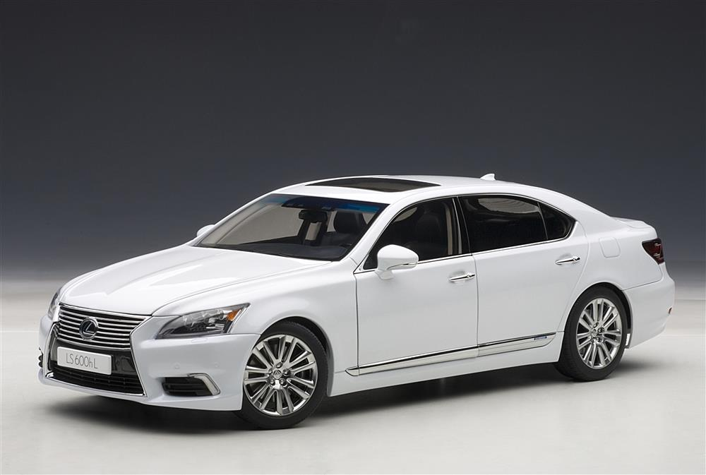 AUTOart: Lexus LS600hL - White Pearl (78843) in 1:18 scale ...