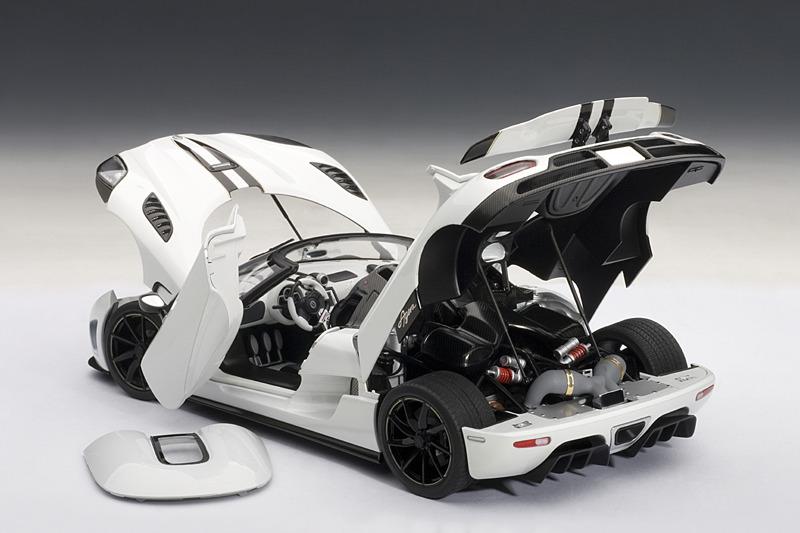 AUTOart: Koenigsegg Agera - White (79008) in 1:18 scale ...