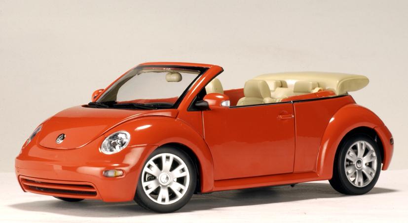 AUTOart: Volkswagen New Beetle Cabriolet - Sundown Orange (79754) in 1:18 scale - mDiecast