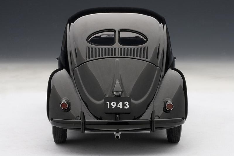 AUTOart: 1943 Volkswagen Beetle Kafer Limousine - Black (79766) in 1:18 scale - mDiecast