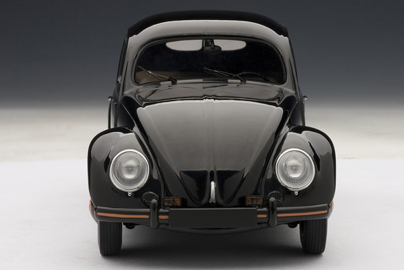 AUTOart: 1948 Volkswagen Beetle Kafer Limousine - Black (79771) in 1:18 scale - mDiecast