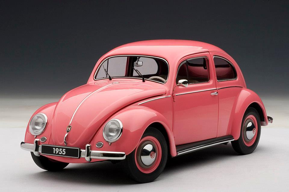 AUTOart: 1955 Volkswagen Beetle Kafer Limousine - Pink (79775) in 1:18 scale - mDiecast