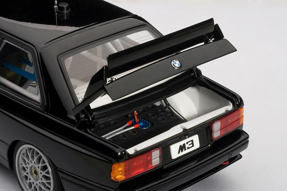 AUTOart: BMW M3 (E30) DTM Plain Body Version - Black (89247) in 1:18 scale