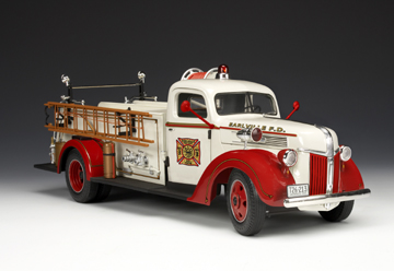 highway   ford fire truck redwhite    scale mdiecast