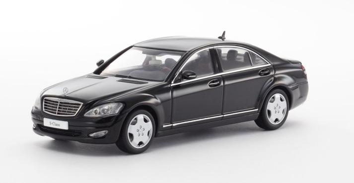 Kyosho mercedes benz s600l v221 black 03632bk in 1 for Mercedes benz s600l