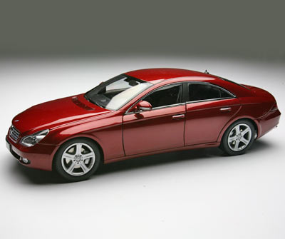 Kyosho 2002 Mercedes Benz Cls Red 08401r In 1 18