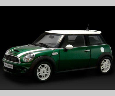 Kyosho 2007 Mini Cooper S R56 Stripes Lhd Green