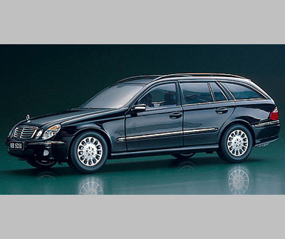 List Of Cars >> Kyosho: Mercedes-Benz E-Crass Wagon (W211) - Dark Blue Metallic (09004TB) in 1:18 scale - mDiecast