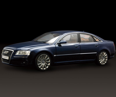 Kyosho Audi A8 W12 Navy Blue 09212nb In 1 18 Scale