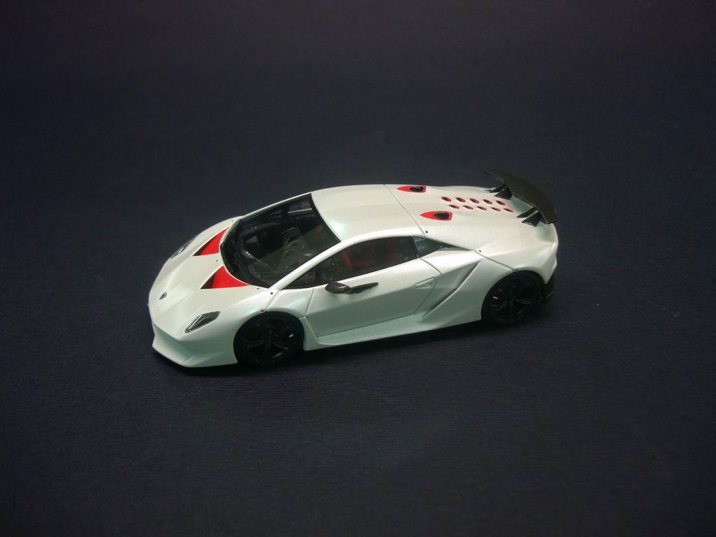 Looksmart Lamborghini Sesto Elemento Pearl White Ls382c In 1 43 Scale Mdiecast