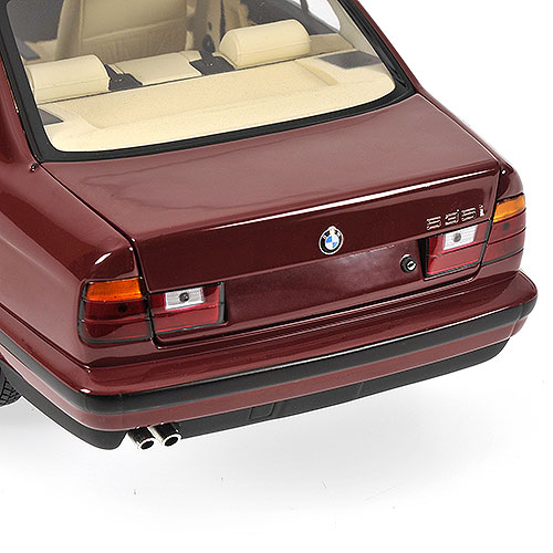 Minichamps: 1988 BMW 535i (E34) - Red (100 024002) в 1:18 масштабе