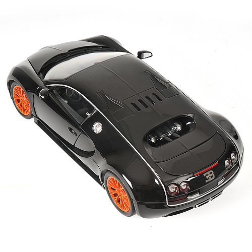 Bugatti Veyron Super Sport Black Orange: Minichamps: 2010 Bugatti Veyron Super Sport