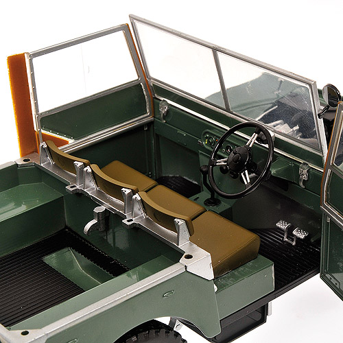 Minichamps: 1948 Land Rover - Green (150 168900) in 1:18 scale