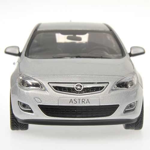 minichamps 2010 opel astra silver 400 049000 in 1 43. Black Bedroom Furniture Sets. Home Design Ideas