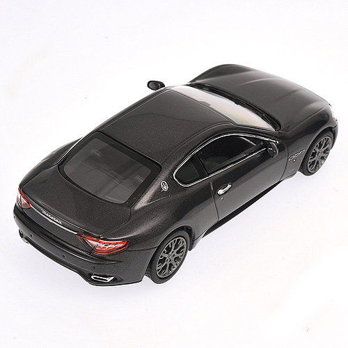 Minichamps: 2008 Maserati Granturismo S - Grey Metallic (400 123950) in 1:43 scale
