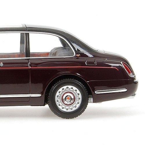 Minichamps: 2002 Bentley State Limousine 'Queens Car' (436