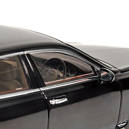Minichamps: 2010 Bentley Mulsanne