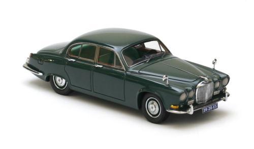 neo scale models 1967 jaguar 420 green 43920 im 1 43 ma stab mdiecast. Black Bedroom Furniture Sets. Home Design Ideas