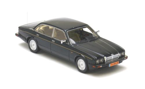 List Of Car Brands >> NEO Scale Models: 1990 Jaguar XJ40 (LHD) - Sovereign Green (43156) in 1:43 scale - mDiecast