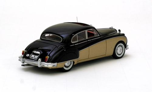 neo scale models 1957 jaguar mk8 black gold 43144. Black Bedroom Furniture Sets. Home Design Ideas