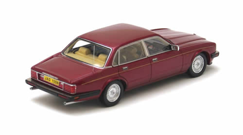 NEO Scale Models: 1990 Jaguar XJ40 (RHD) - Sovereign Red (43155) in 1:43 scale