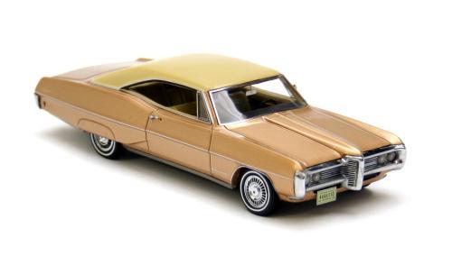 Neo Scale Models 1968 Pontiac Bonneville 2 Door Coupe