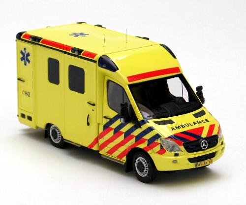 Neo scale models 2008 mercedes benz sprinter ambulance for Mercedes benz sprinter service