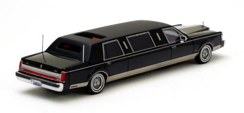 Neo Scale Models 1985 1990 Lincoln Towncar Limousine Black 45335