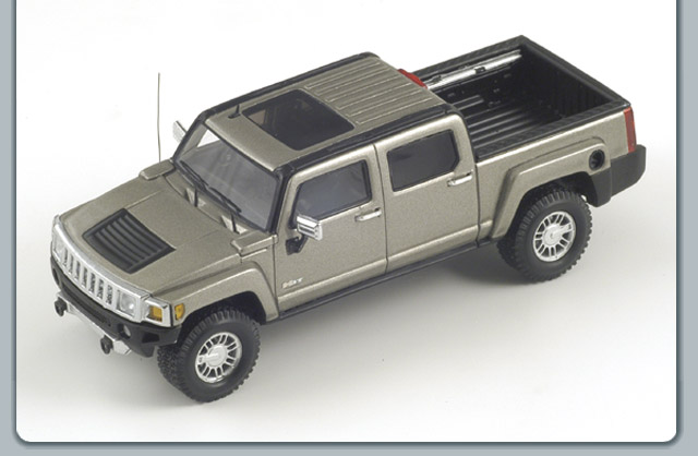 Spark: 2008 Hummer H3T - Silver (S0868) im 1:43 maßstab