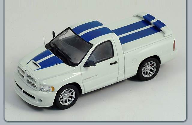 Spark: 2005 Dodge RAM SRT-10 Commemorative Edition (S0871) in 1:43 scale - mDiecast