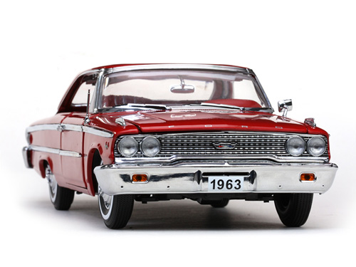 Sun Star: 1963 Ford Galaxie 500 Hard Top - Red (1460) в 1:18 масштабе