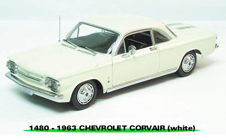 Sun Star: 1963 Chevrolet Corvair Coupe - Ermine White (1480) в 1:18 масштабе