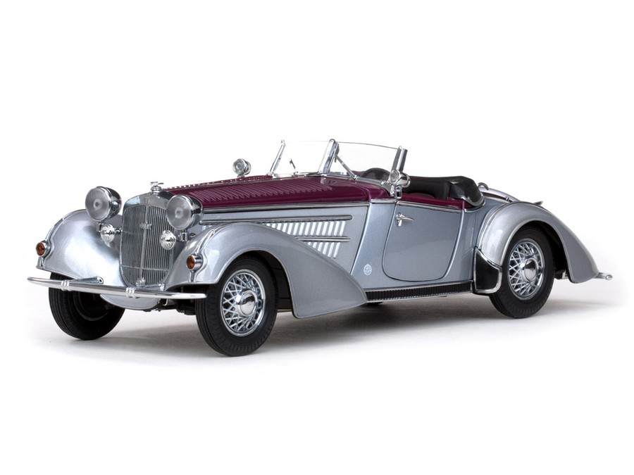 Sun Star: 1939 Horch 855 Special Roadster - Silvery Grey and Dark Red (2402) in 1:18 scale