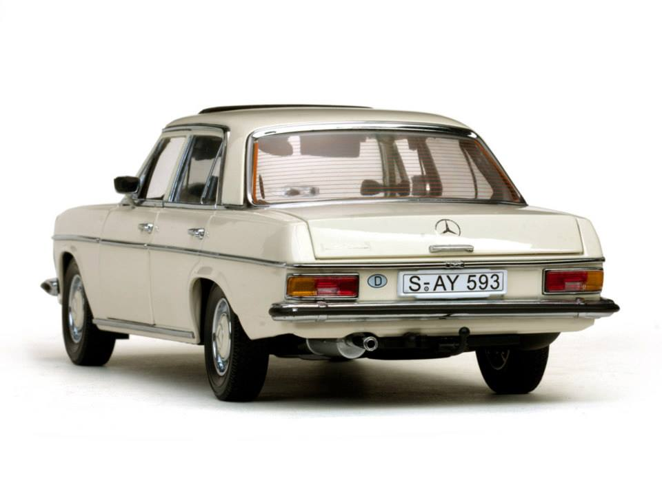 sun star mercedes benz strich 8 saloon white 4593 in 1 18 scale mdiecast. Black Bedroom Furniture Sets. Home Design Ideas