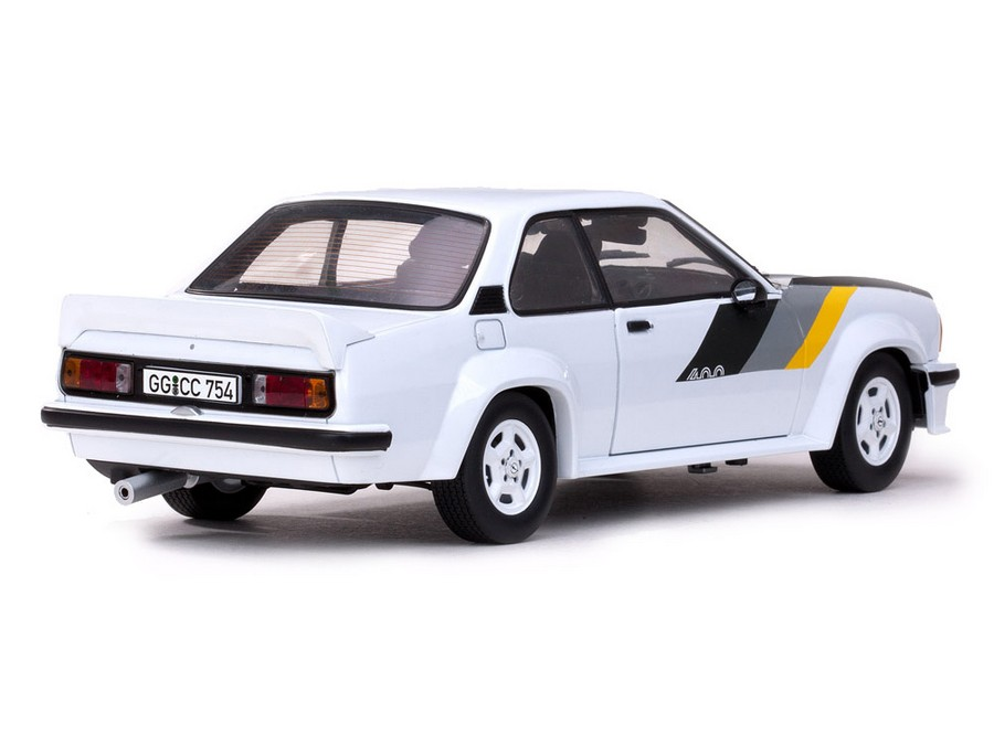 sun star opel ascona 400 opel lively 5390 in 1 18 scale mdiecast. Black Bedroom Furniture Sets. Home Design Ideas