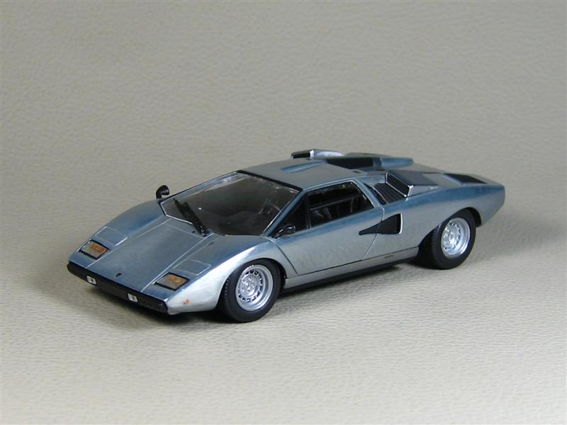 minichamps lamborghini countach lp400 polished 40 anniversario in 1 43 scale mdiecast. Black Bedroom Furniture Sets. Home Design Ideas
