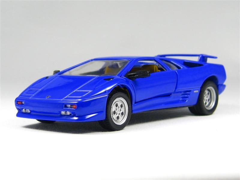 Hot Wheels: Lamborghini Diablo VT in 1:43 scale - mDiecast