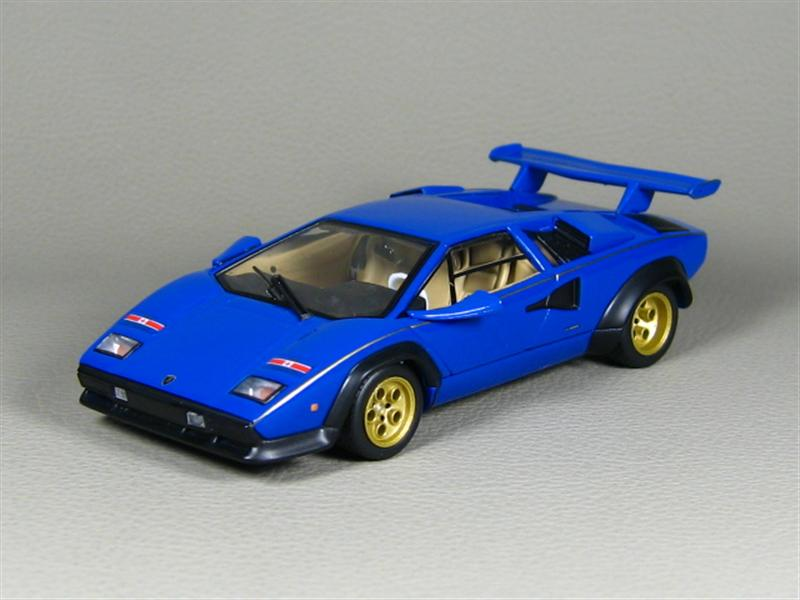 ixo lamborghini countach lp500 walter wolf blue in 1 43 scale mdiecast. Black Bedroom Furniture Sets. Home Design Ideas
