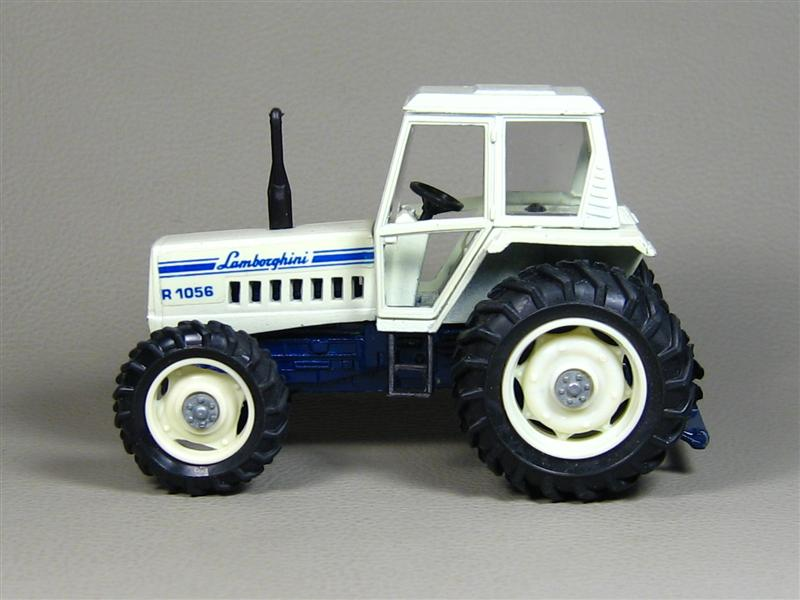 Yaxon: Lamborghini R-1056 Tractor in 1:43 scale . Picture provided by Gennadiy, 2008-12-22 16:50:08