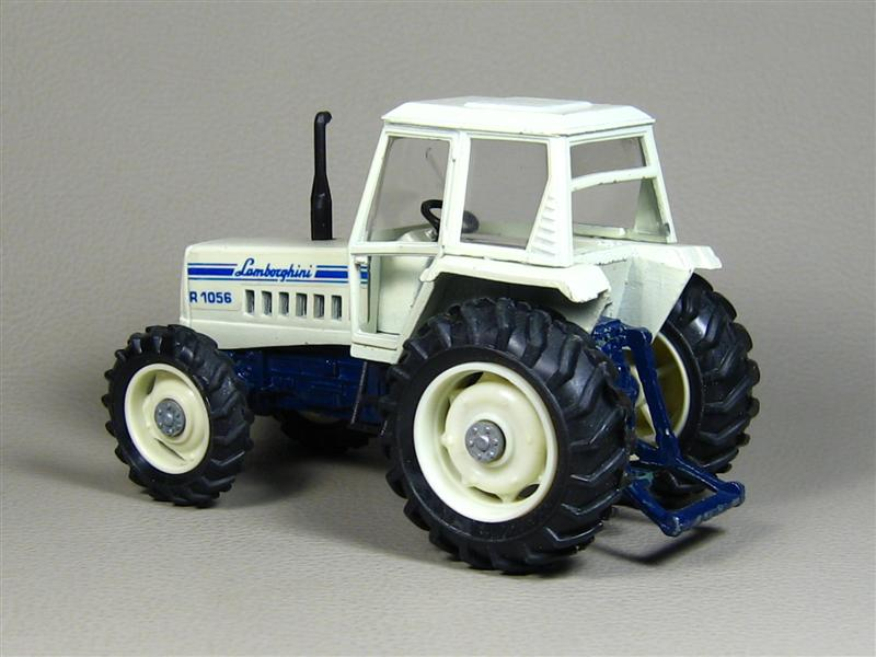 Yaxon: Lamborghini R-1056 Tractor in 1:43 scale . Picture provided by Gennadiy, 2008-12-22 16:50:22