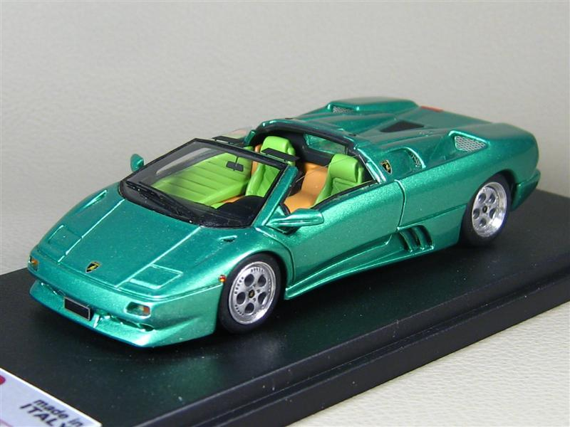 http://www.mdiecast.com/pictures/_users/1024_Gennadiy/11161_a%20(5).jpg