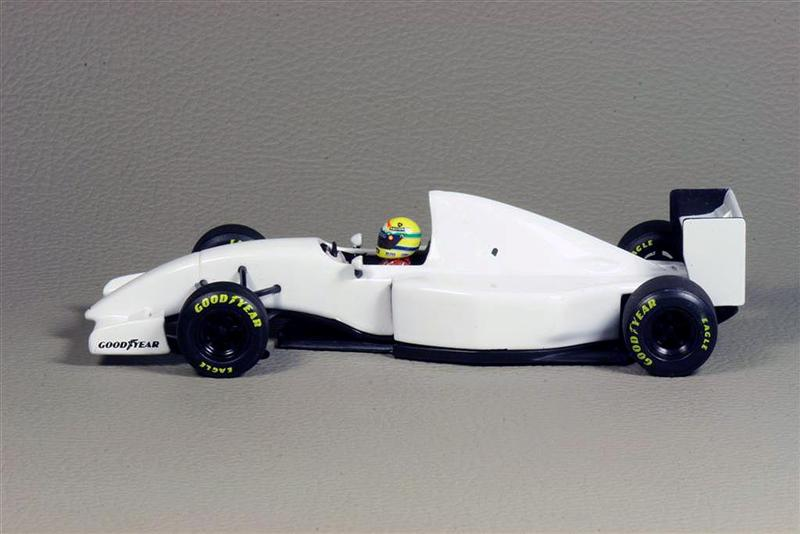 Pictures Of Lamborghini >> Minichamps: Lamborghini F1 McLaren MP 4-8B Test Car 1993 Ayrton Senna in 1:43 scale - mDiecast
