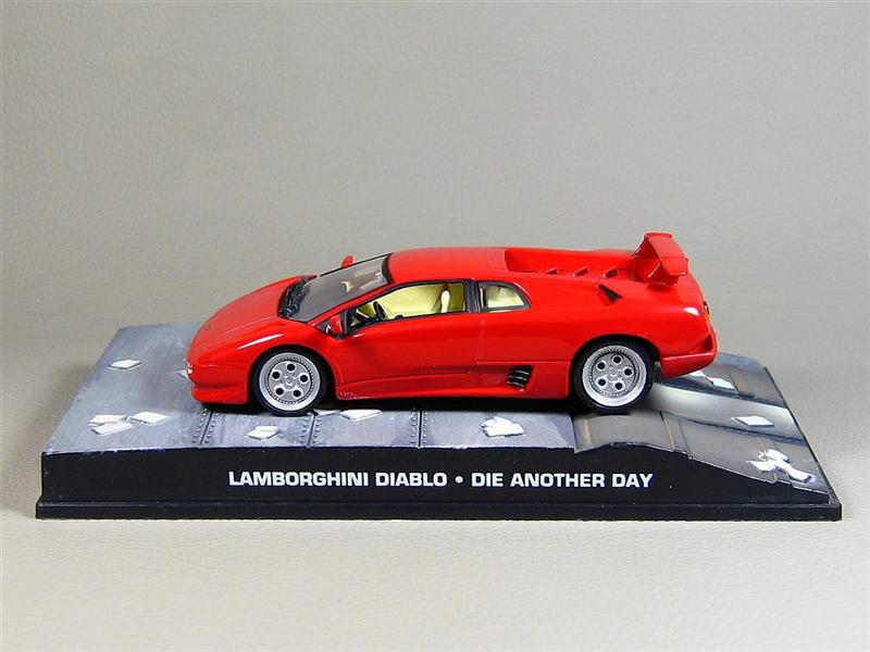 altaya lamborghini diablo 007 james bond collection in 1 43 scale mdiecast. Black Bedroom Furniture Sets. Home Design Ideas