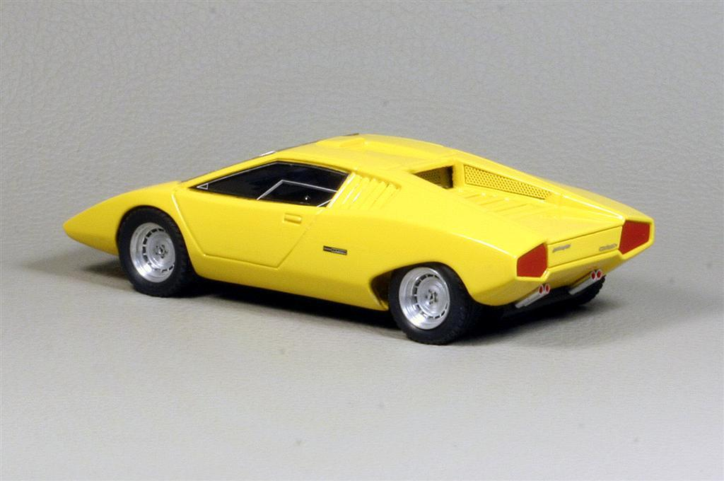 looksmart lamborghini countach lp 500 prototipo 1971 in 1 43 scale mdiecast. Black Bedroom Furniture Sets. Home Design Ideas