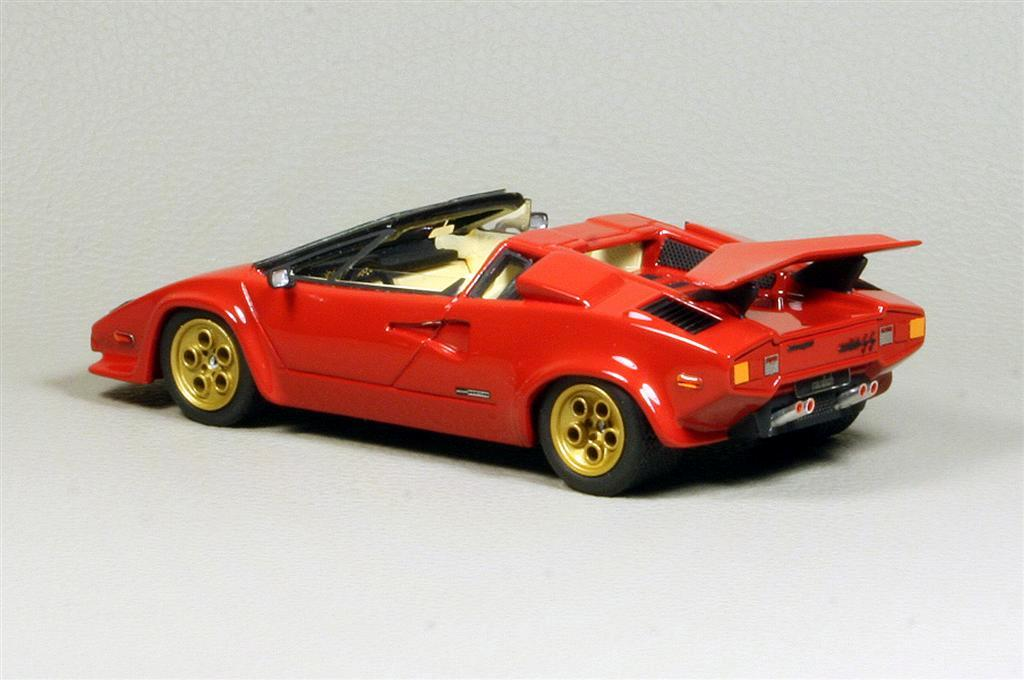 looksmart lamborghini countach lp 500 ss cabrio in 1 43 scale mdiecast. Black Bedroom Furniture Sets. Home Design Ideas