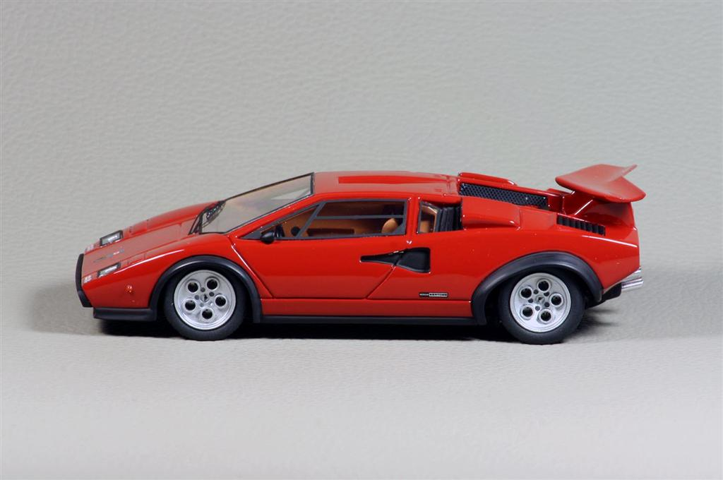 looksmart lamborghini countach lp500s walter wolf in 1 43 scale mdiecast. Black Bedroom Furniture Sets. Home Design Ideas