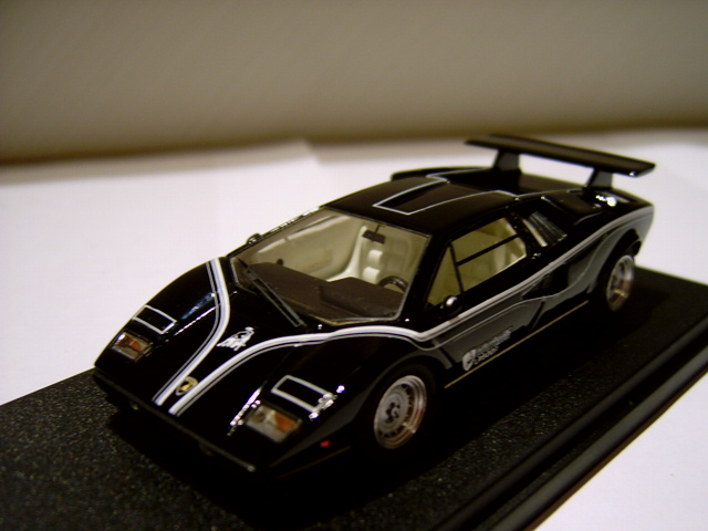 mr collection lamborghini countach lp 500 r in 1 43 scale mdiecast. Black Bedroom Furniture Sets. Home Design Ideas
