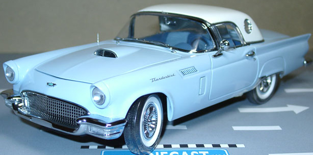 ERTL Precision 100: 1957 Ford Thunderbird w/ Hardtop Option Starmist B (32889) im 1:18 maßstab . Picture provided by Dawid, 2010-04-06 08:53:36