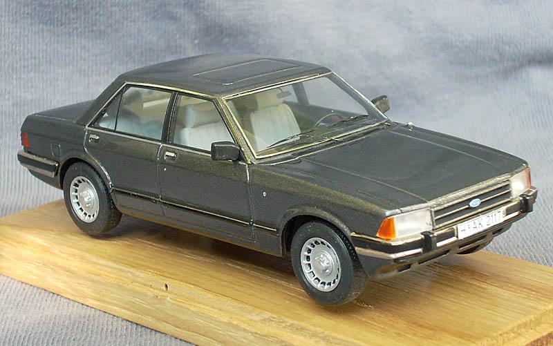 EMC: 1981 Ford Granada Sedan Ghia in 1:43 scale - mDiecast