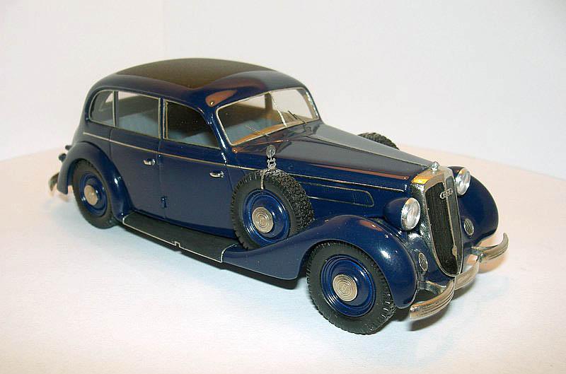 Emc 1939 Horch 930v 4 Doors Sedan In 1 43 Scale Mdiecast